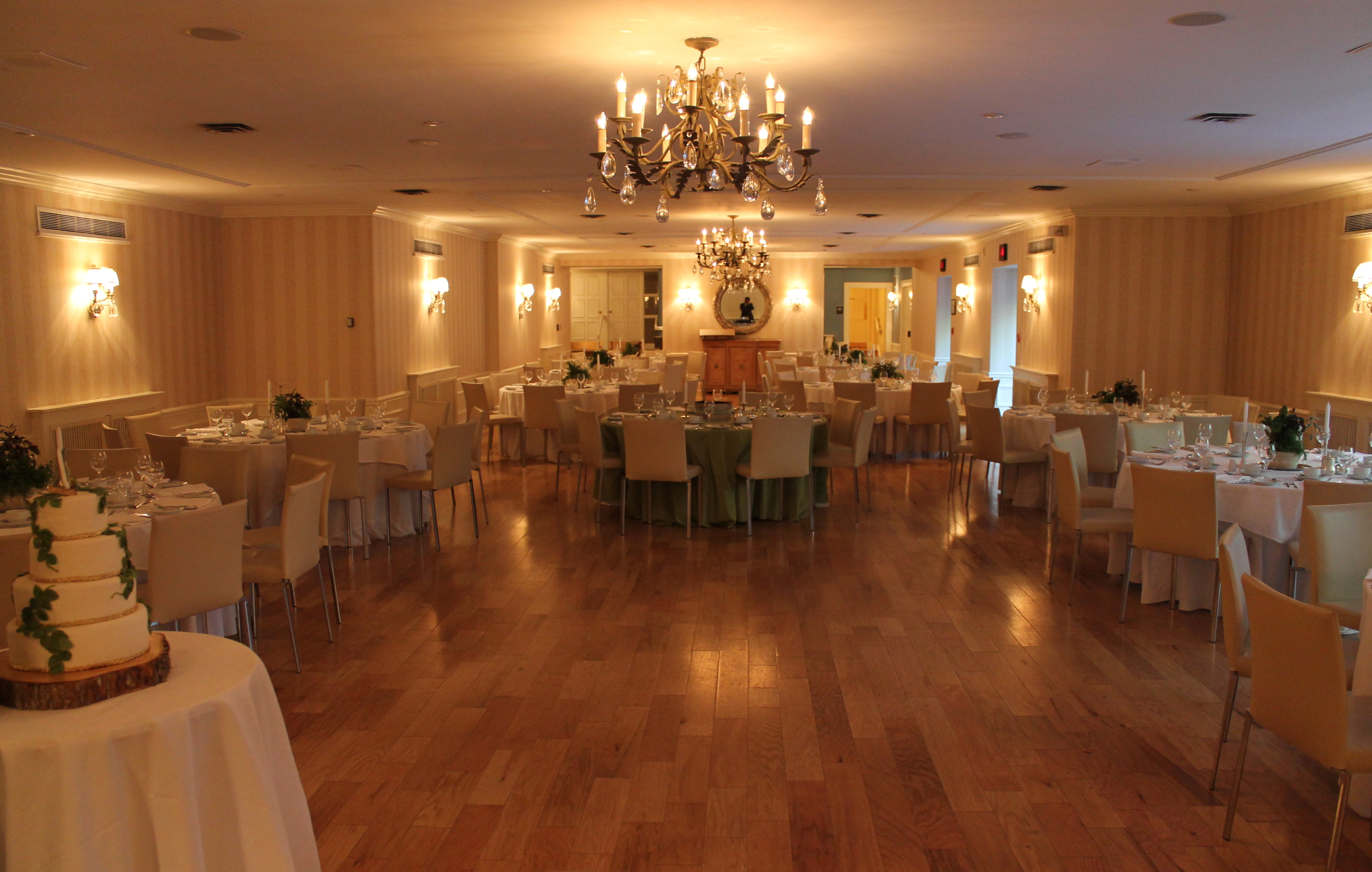 Estates of Sunnybrook Courtyard Ballroom